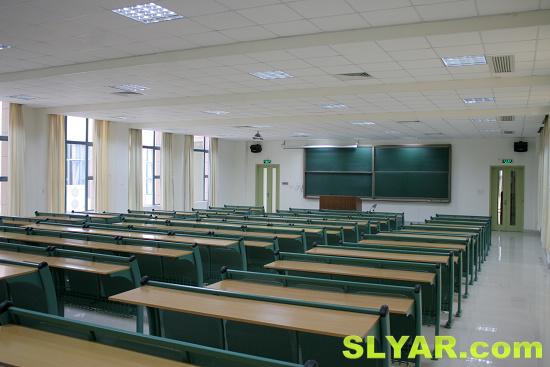 丽泽楼超大教室