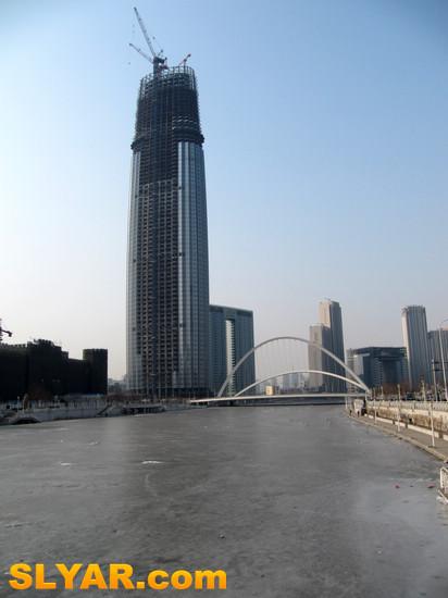 9米的天津环球金融中心津塔写字楼