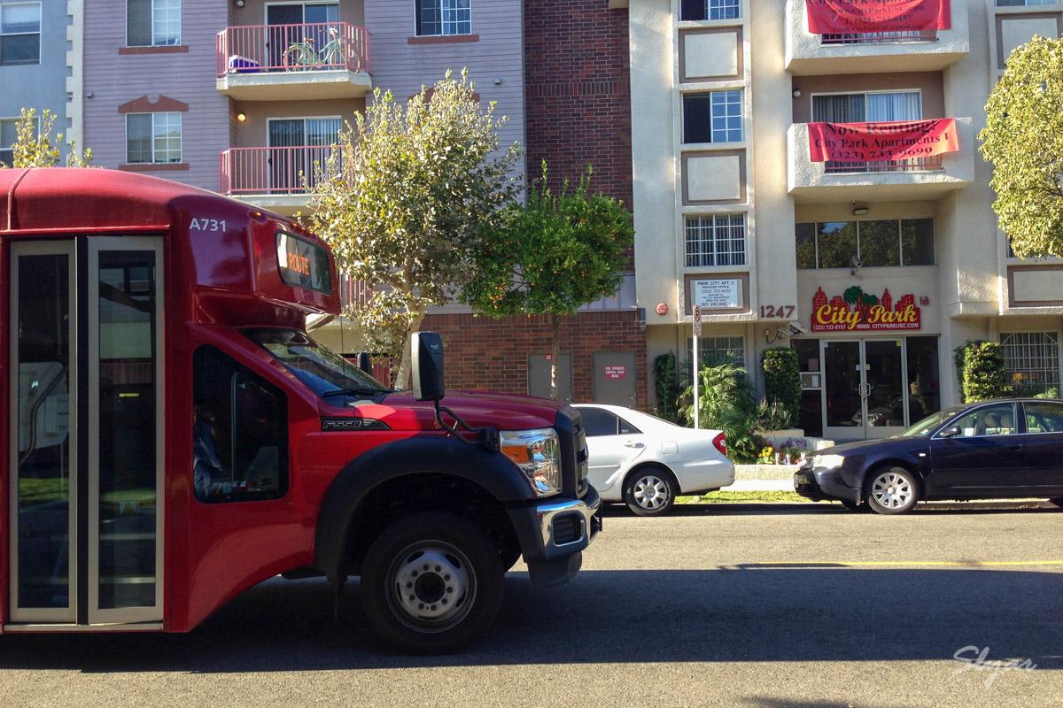 第一次乘坐USC校车巴士回City Park公寓(校车乘坐指南)