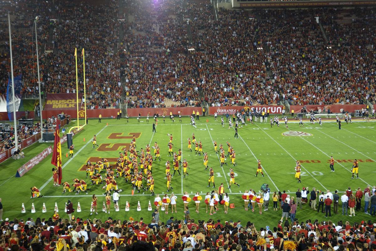 第一次现场看橄榄球赛,USC完胜Oregon State
